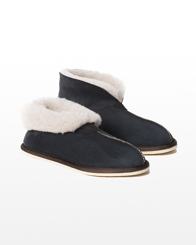 2100 sheepskin bootee slipper_blue iris_pair1_aw15.jpg