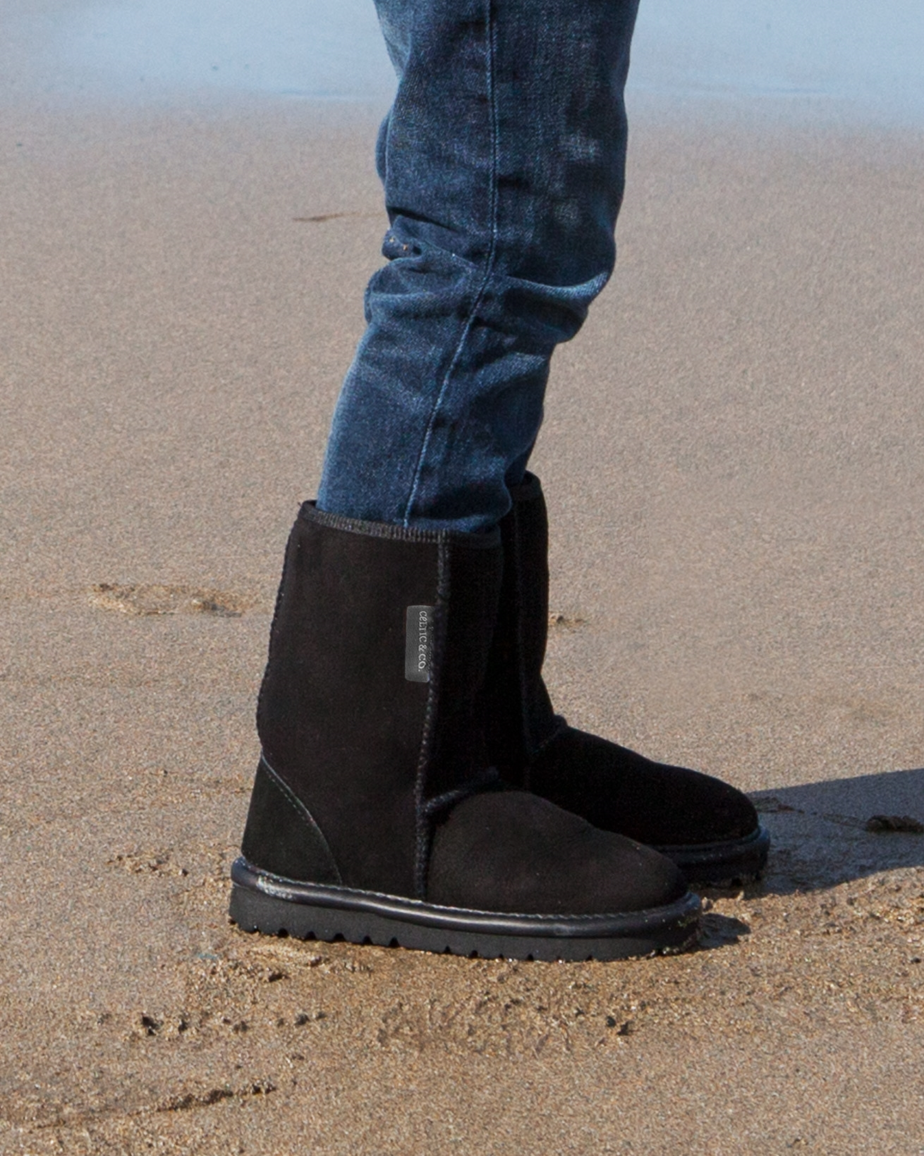 2404-lfs-mini classic boot_black.jpg
