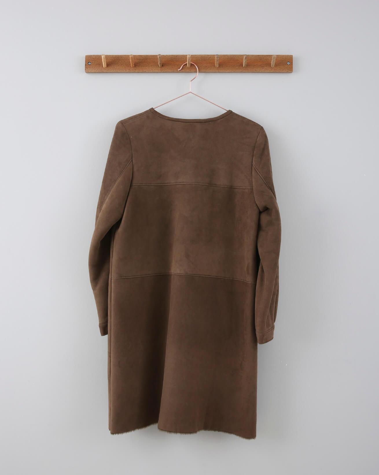 _0006_676-collarless sheepskin coat-coffee-back.jpg
