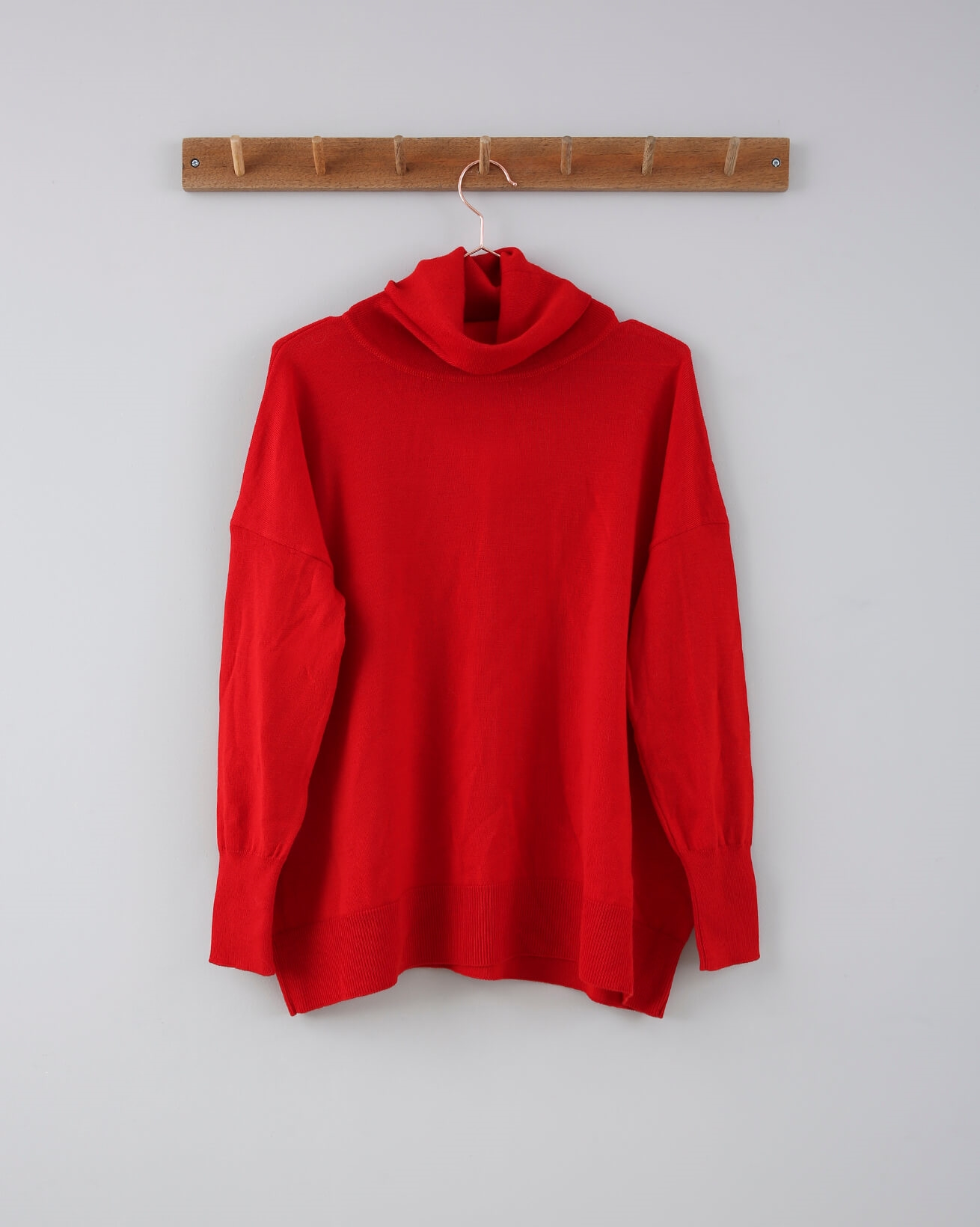 Slouchy Fine Knit Roll Neck - Small - Red - 686