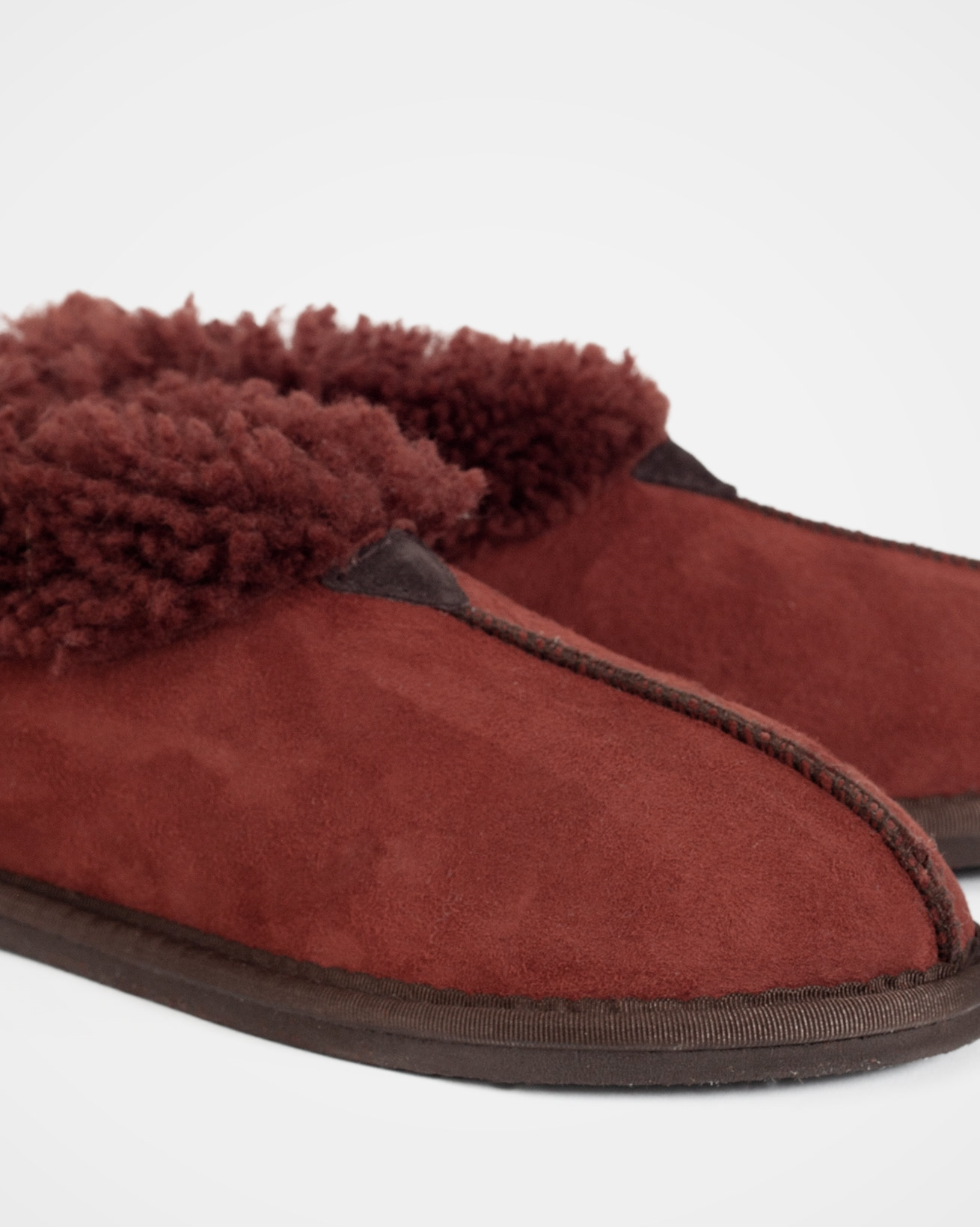 2100_ladies-sheepskin-bootee-slippers_conker_detail.jpg