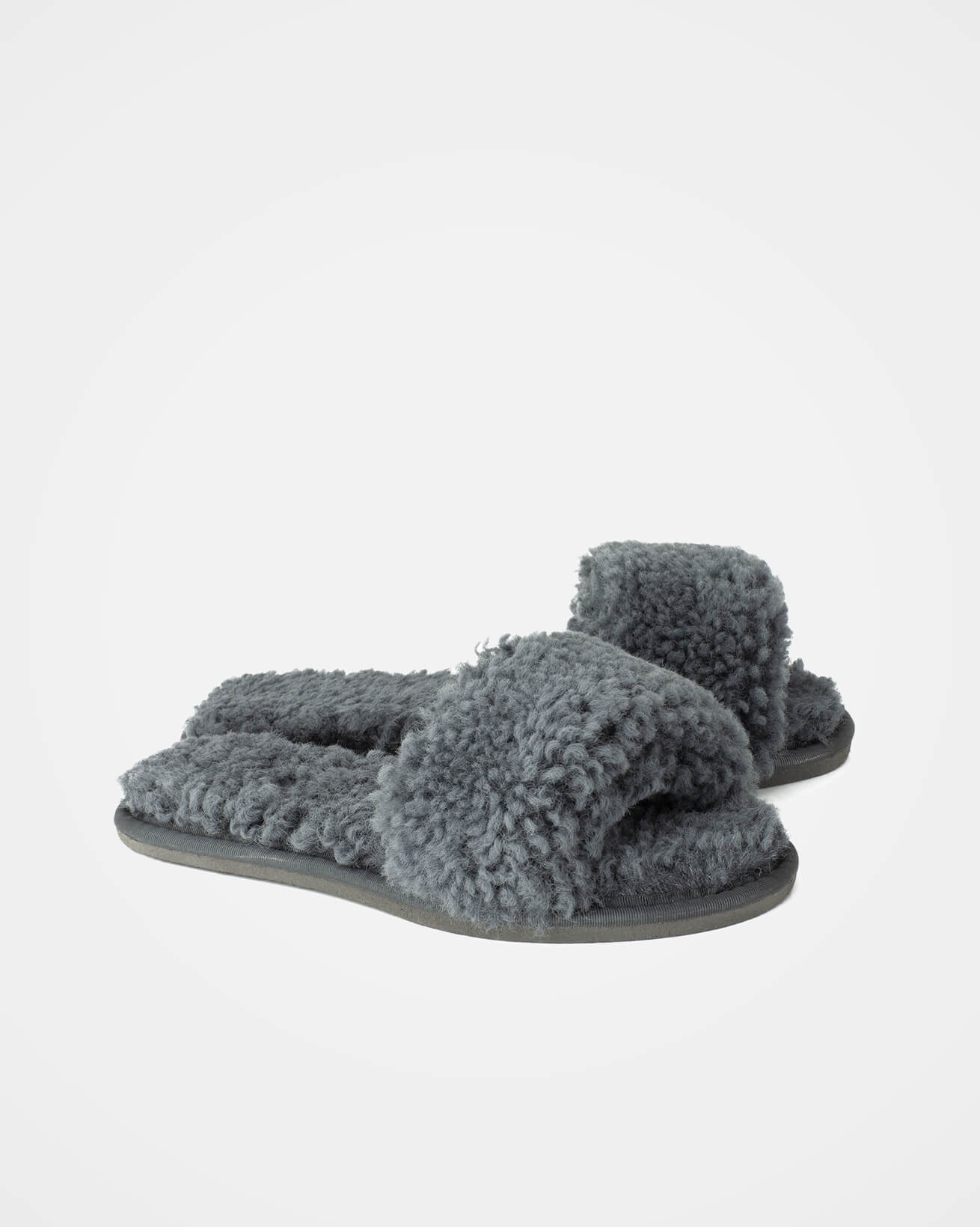 7554_7614_sheepskin-slides_dark-grey_pair_web.jpg