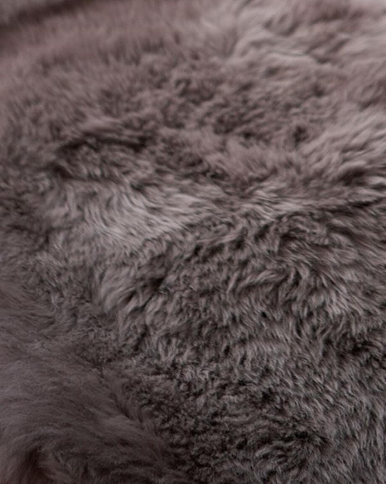 5200-sheepskin-rug-vole-closeup.jpg