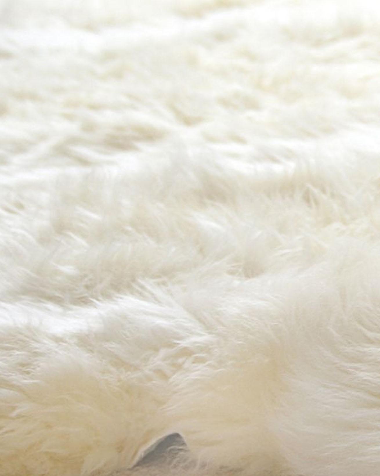 5200-sheepskin-rug-ivory-closeup-v2.jpg