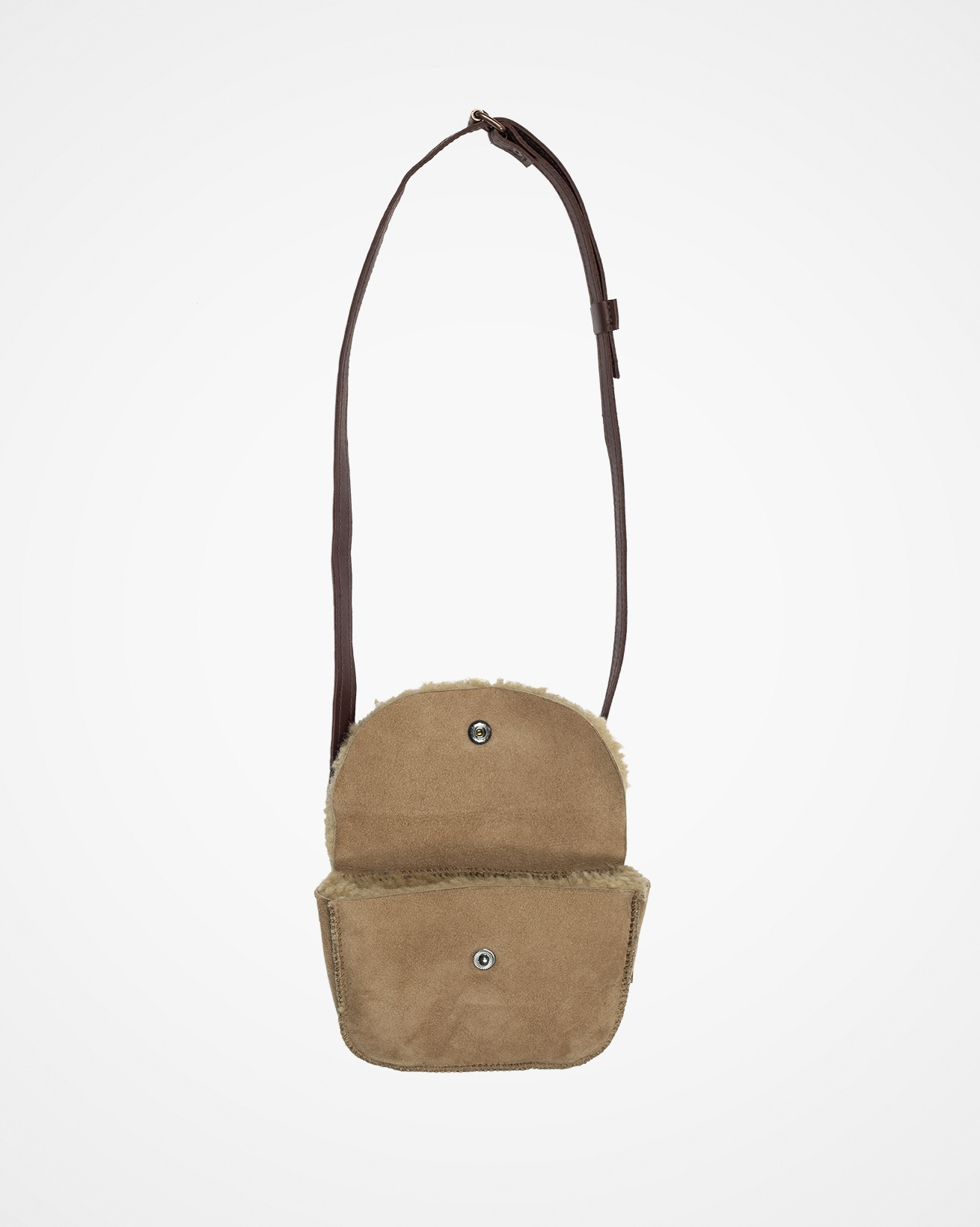 7702_sheepskin-belt-bag_teddy_open.jpg