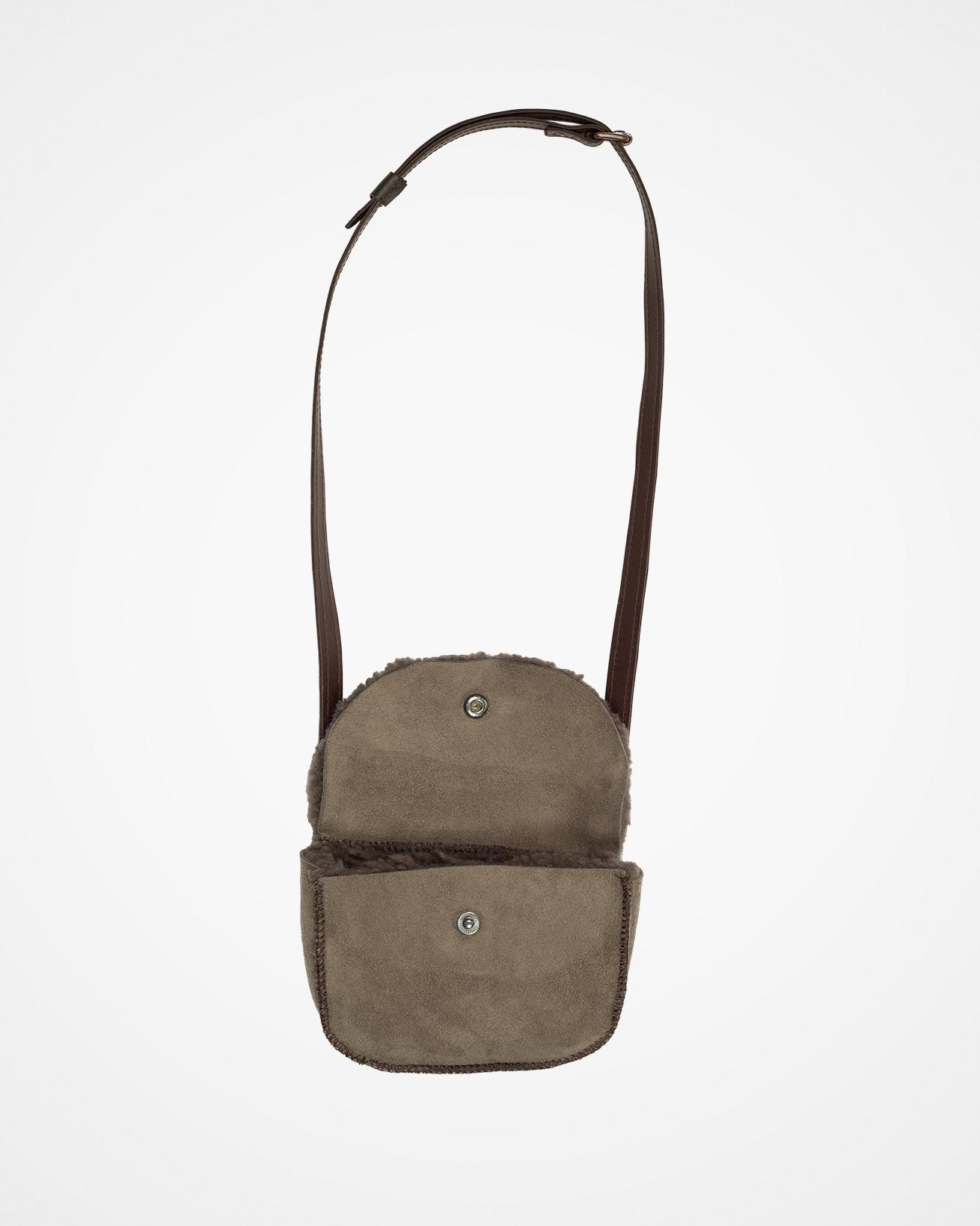 7702_sheepskin-belt-bag_vole_open.jpg