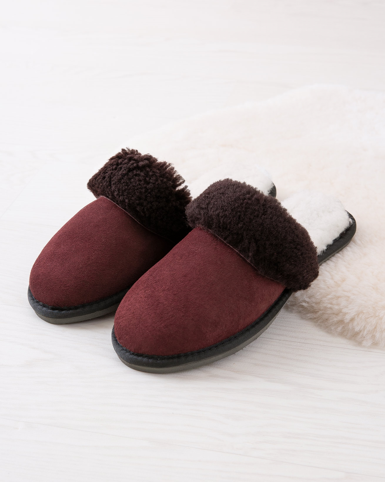 6786_ladies-turnback-mules_claret_lifestyle2_lfs.jpg