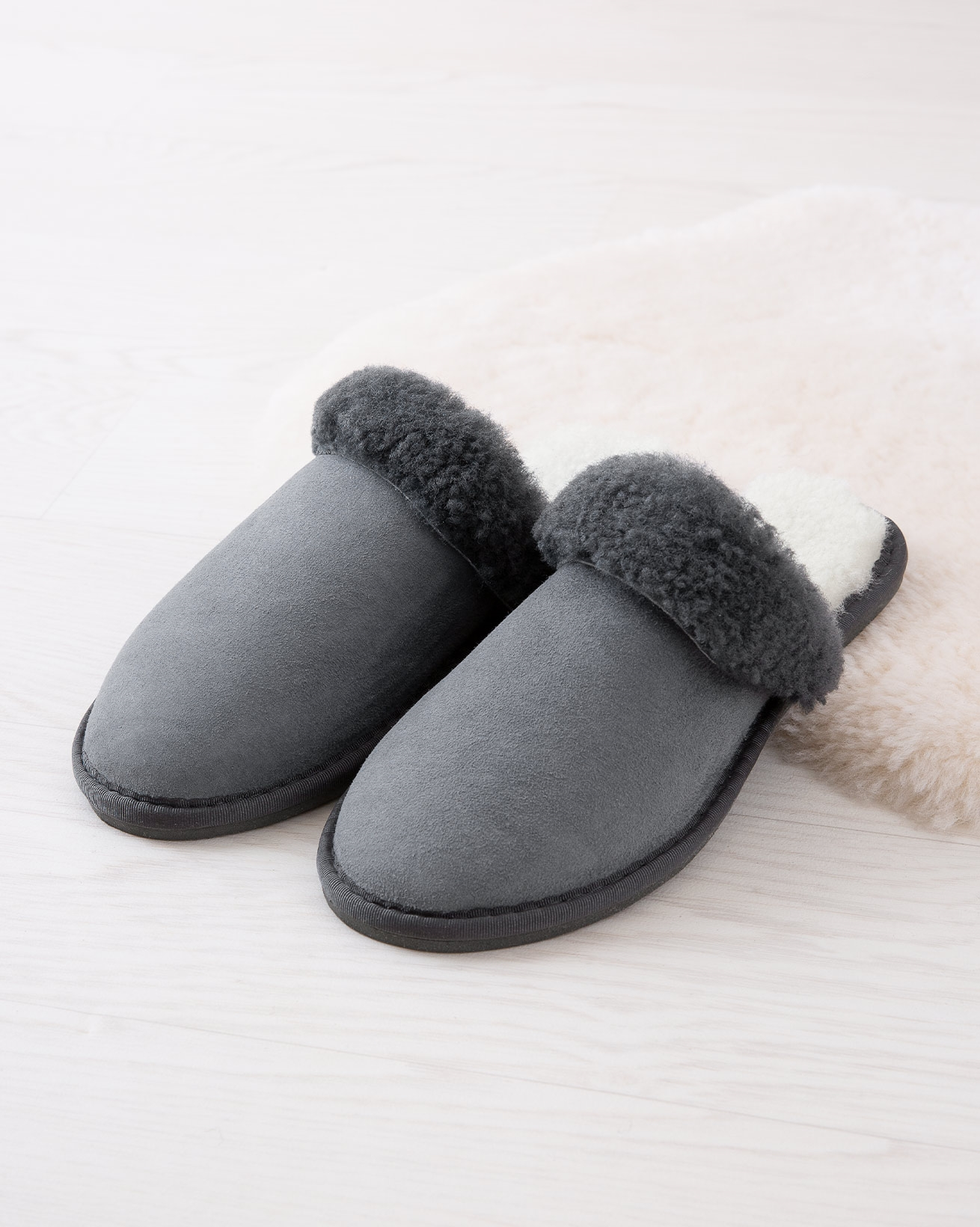 6786_ladies'-turnback-mules_dark-grey_lifestyle_lfs.jpg