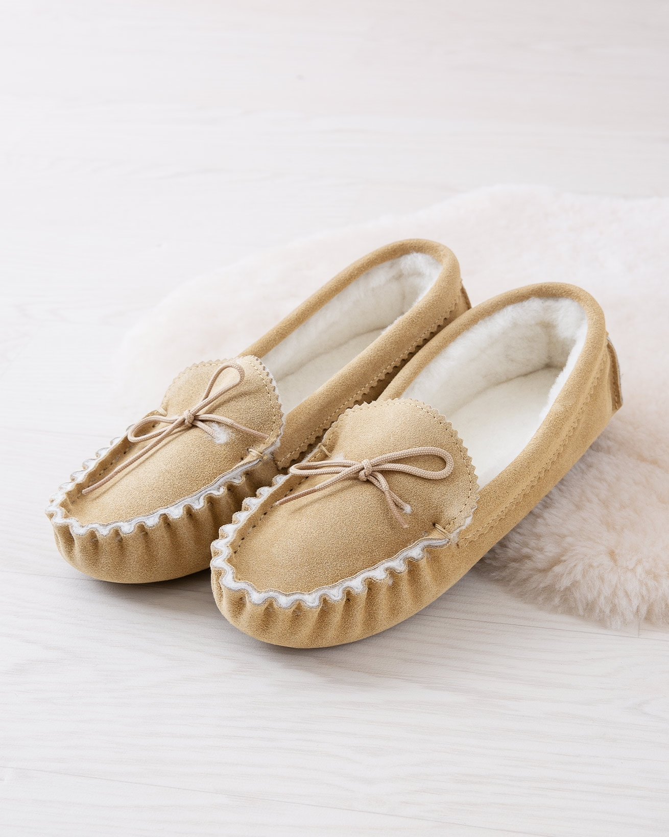 7132_mens-loafers-soft-sole_camel_lifestyle_lfs.jpg
