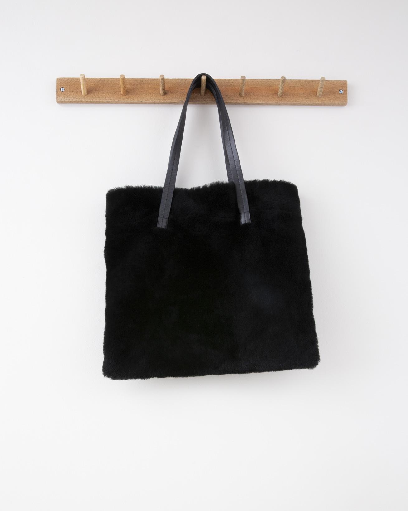Sheepskin Shoulder Bag - 40cm x 35cm - Black - 1291