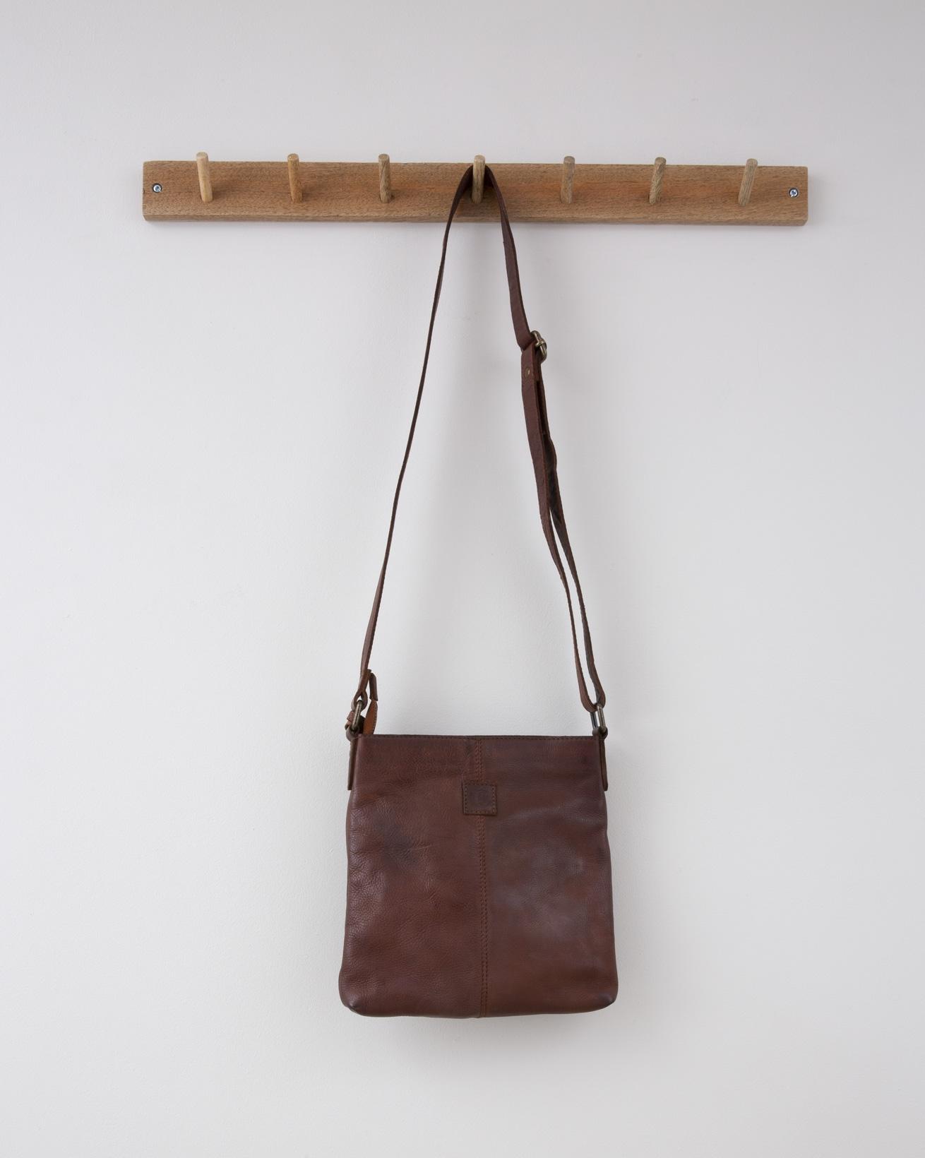 Zip up Slouch Cross Body Bag w/clip detail - 24cm x 25cm - Antique Cognac - 1298