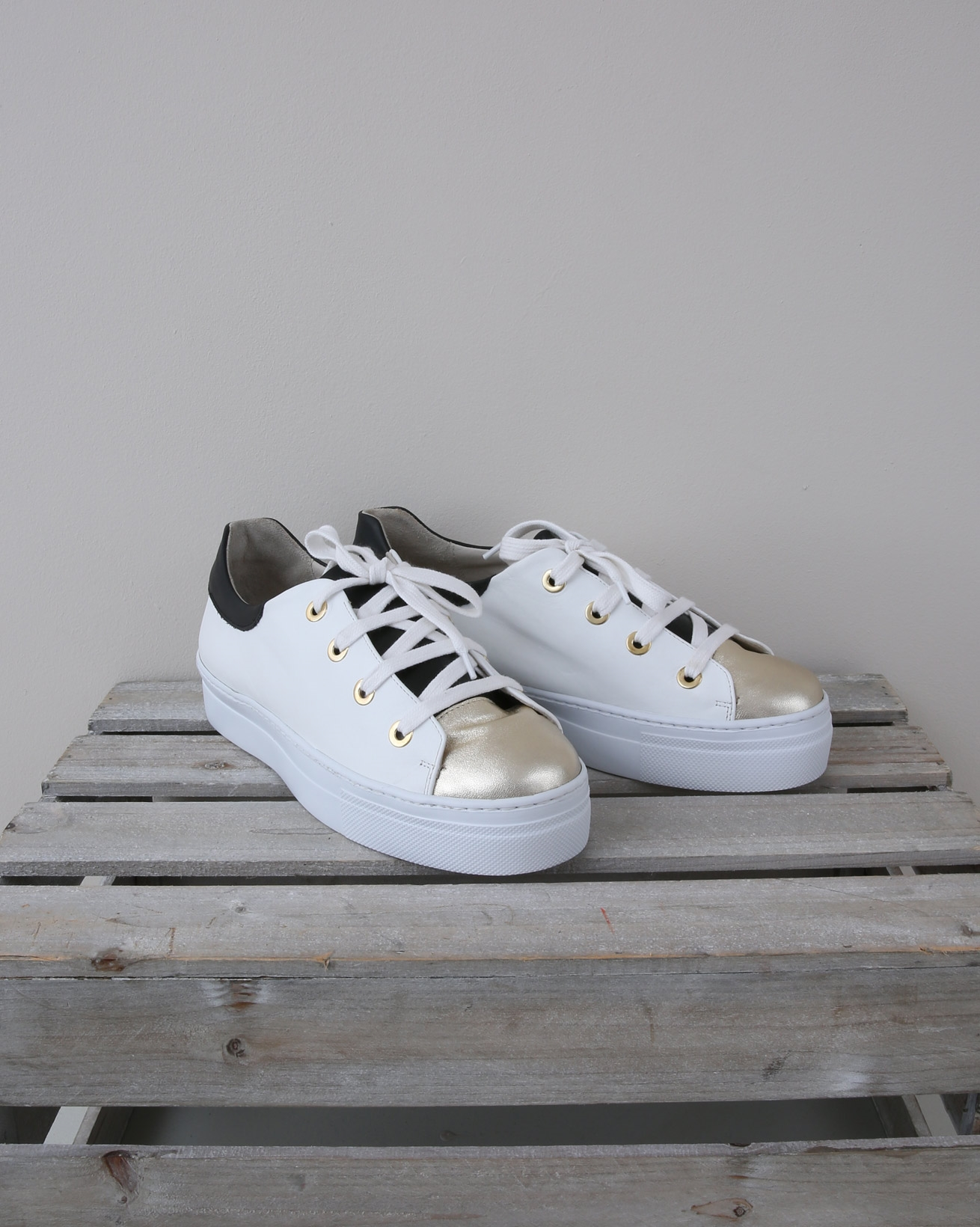 Leather Platform Sole Trainer - Size 39 - White, Navy, Gold - 1383