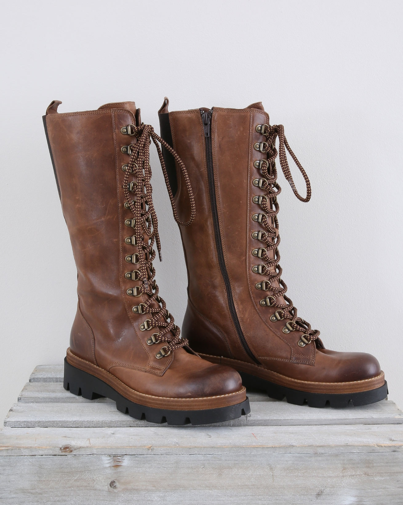 Long Leather Hiker Boot - Size 37 - Autumn Brown - 1457