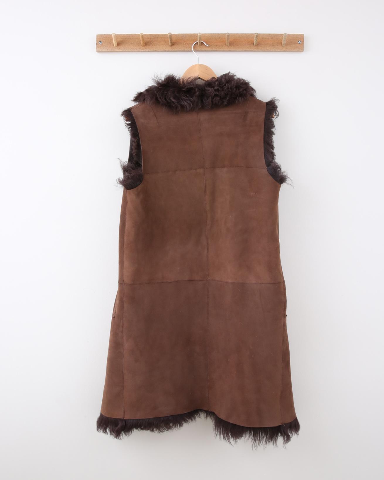1503-reversible-himilayan-curly-gilet-mahogany-brown-reversed-back.jpg