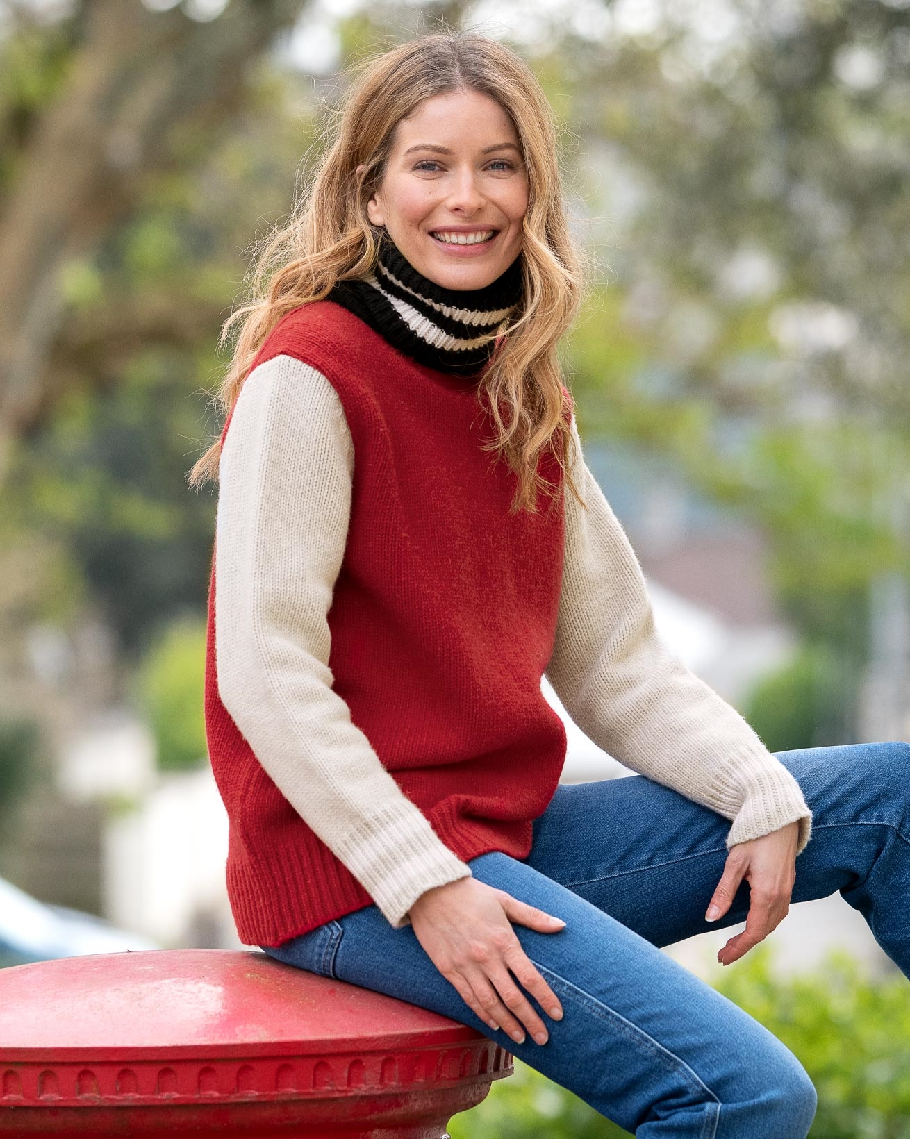 7719-alpine-easy-slouch-roll-neck-navy-red-127_lfs.jpg