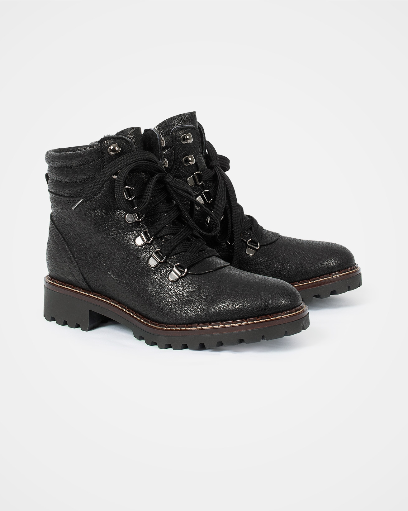 7621_hiker-boot_black-leather_pair.jpg