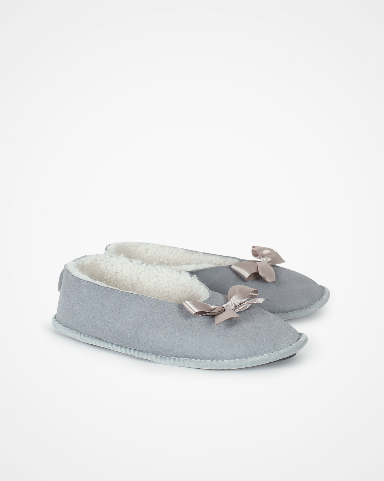 7776_fonteyn-sheepskin-slipper_light-grey_pair.jpg