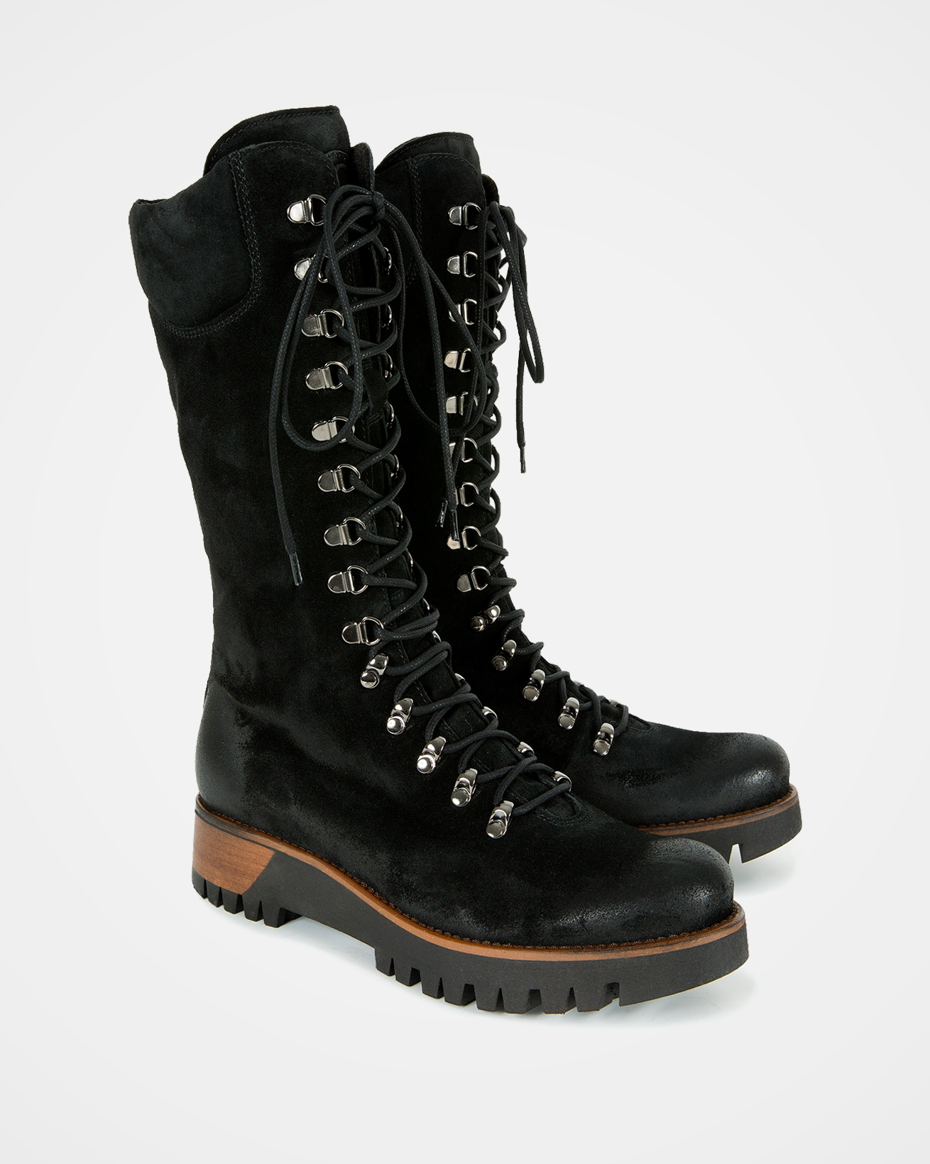 7082-wilderness-boots-black-pair-web-lfs-rev.jpg