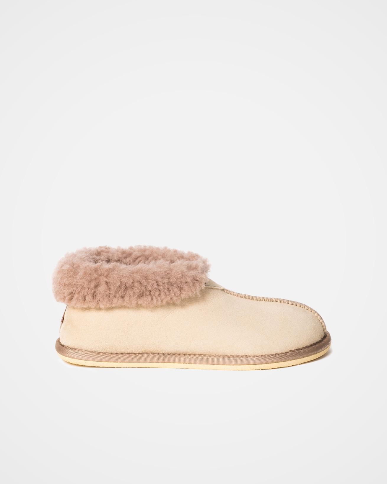 2100_ladies-sheepskin-bootee-slippers_oatmeal_outside.jpg