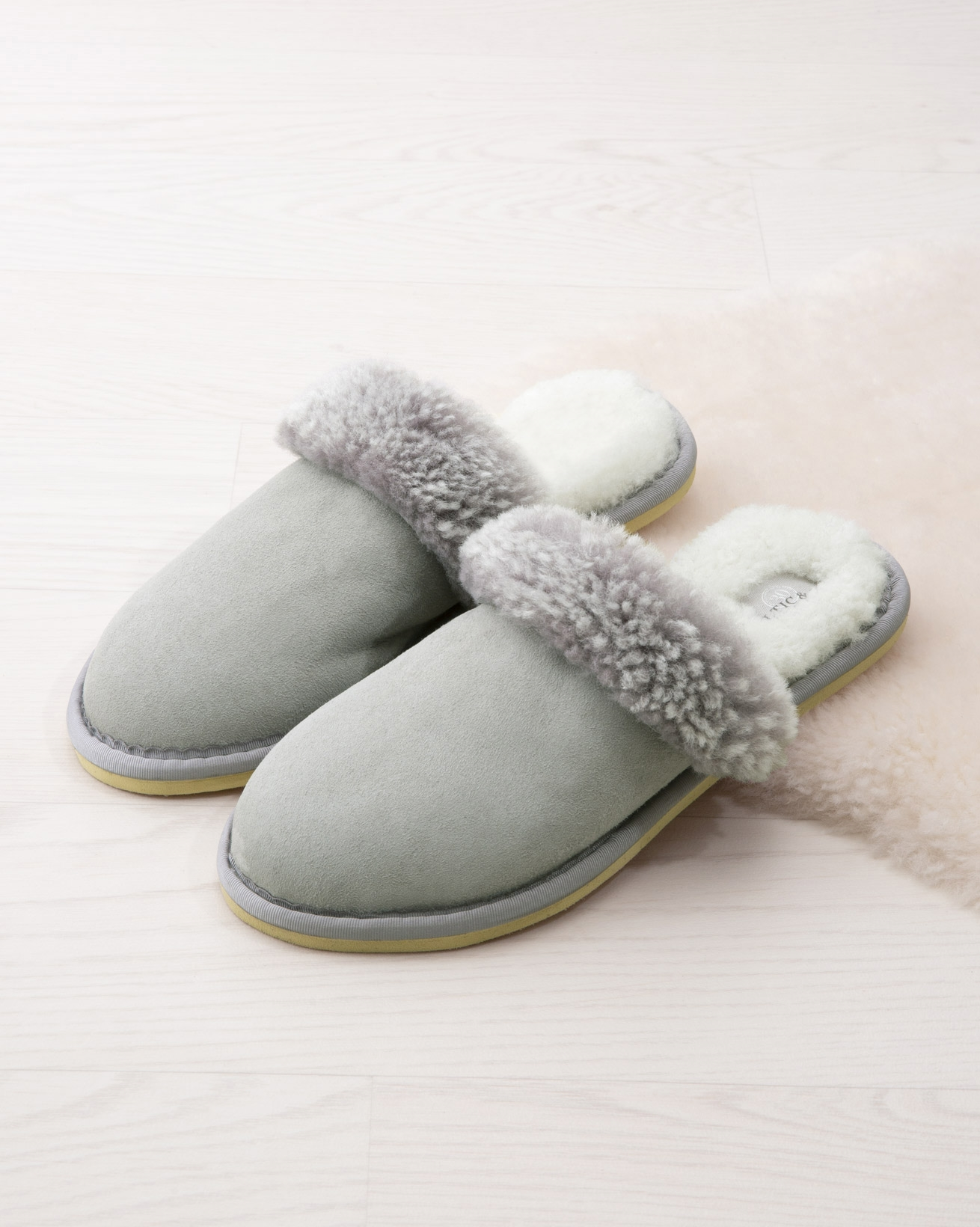 Ladies' Turnback Mules
