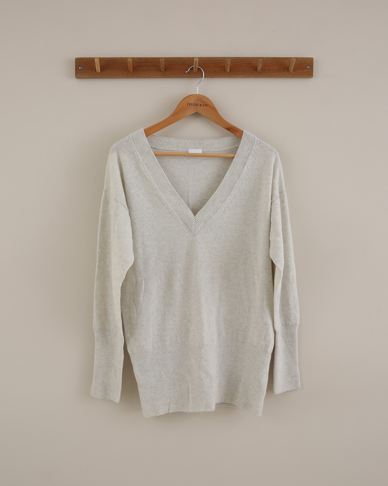 Supersoft V Jumper - Size Small - Swansdown - 1700