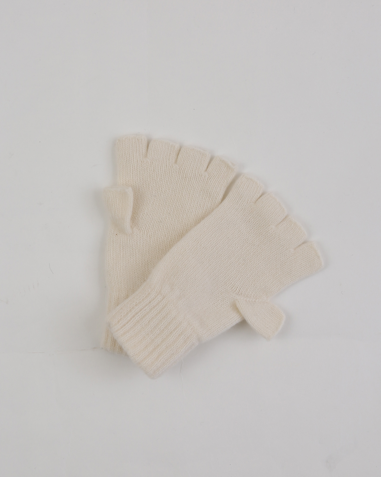 Ladies Cashmere Fine Cable Fingerless gloves - One Size - Ivory - 1943