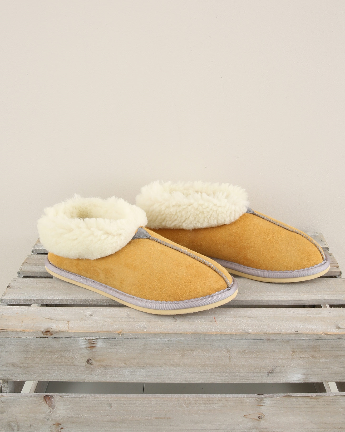 Ladies Sheepskin bootee slipper - Size 6 - Gorse - 1968