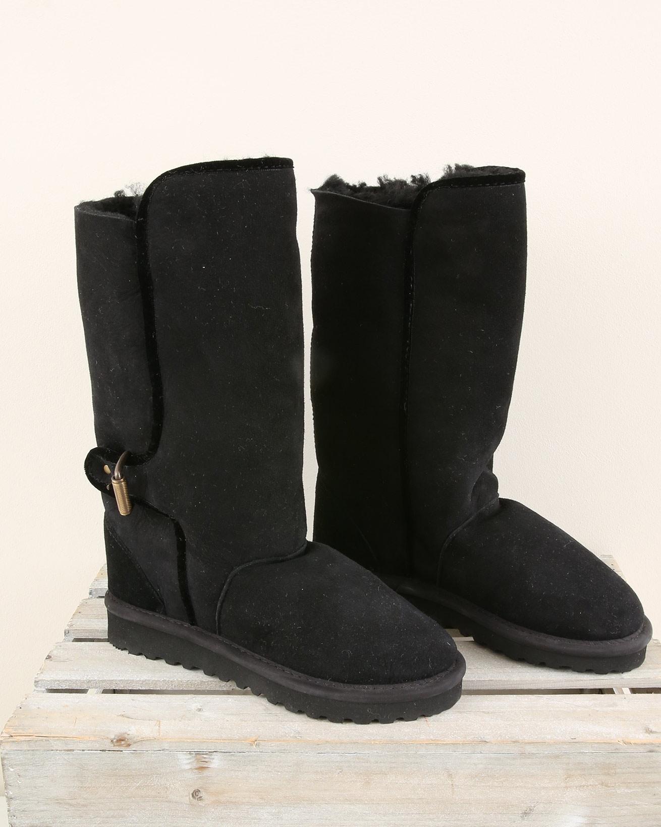 Slim Fit Cavalier Sheepskin Boot - Size 6 - Black - 1990