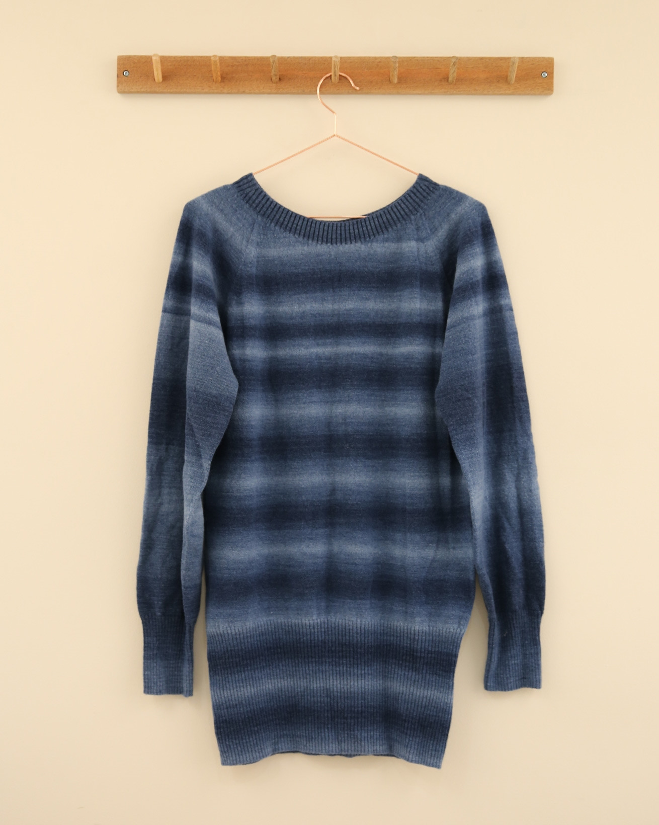 Supersoft Slouch Jumper - Size Small - Blue Ombre - 2302