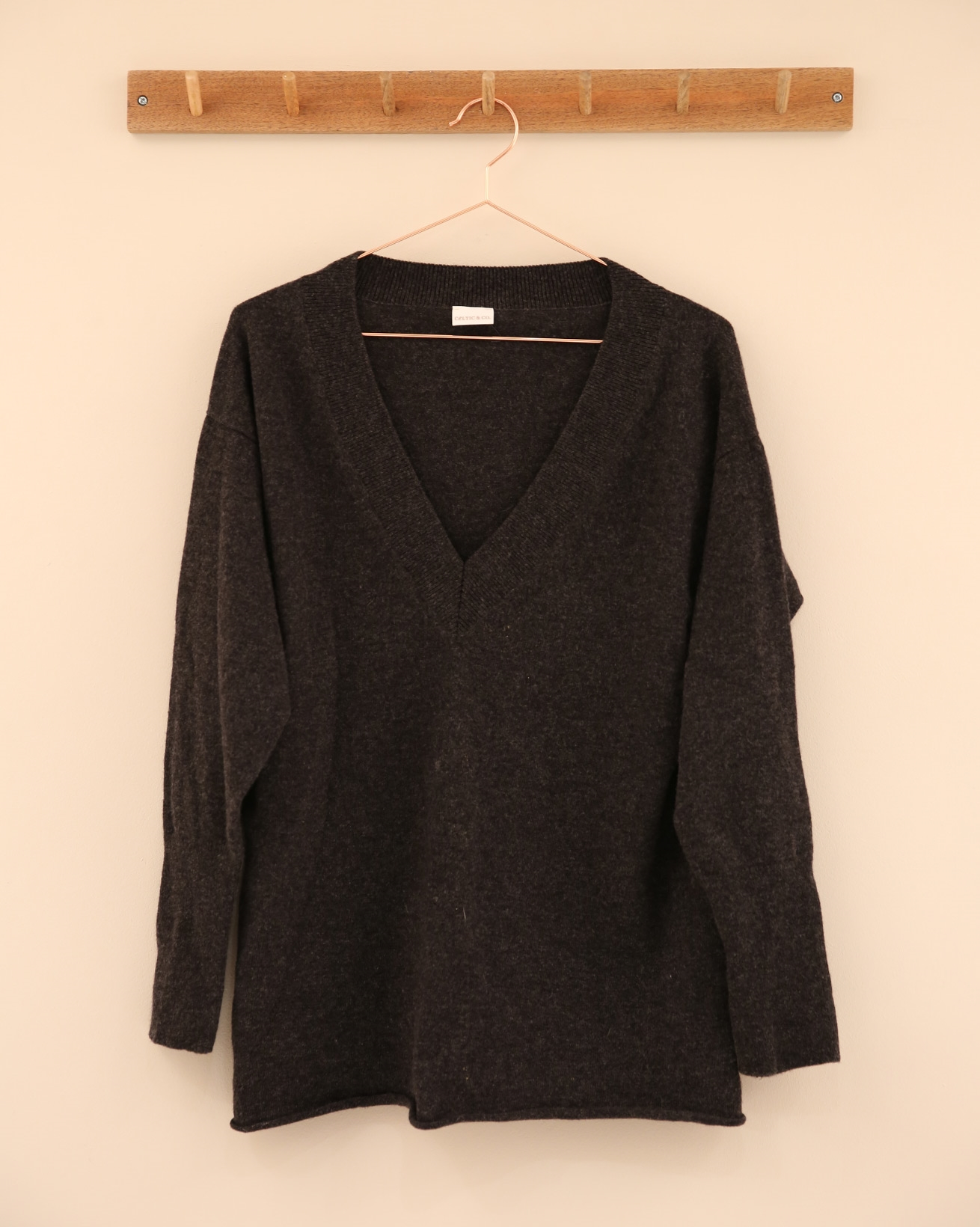 Supersoft V Jumper - Size Small - Charcoal - 2310