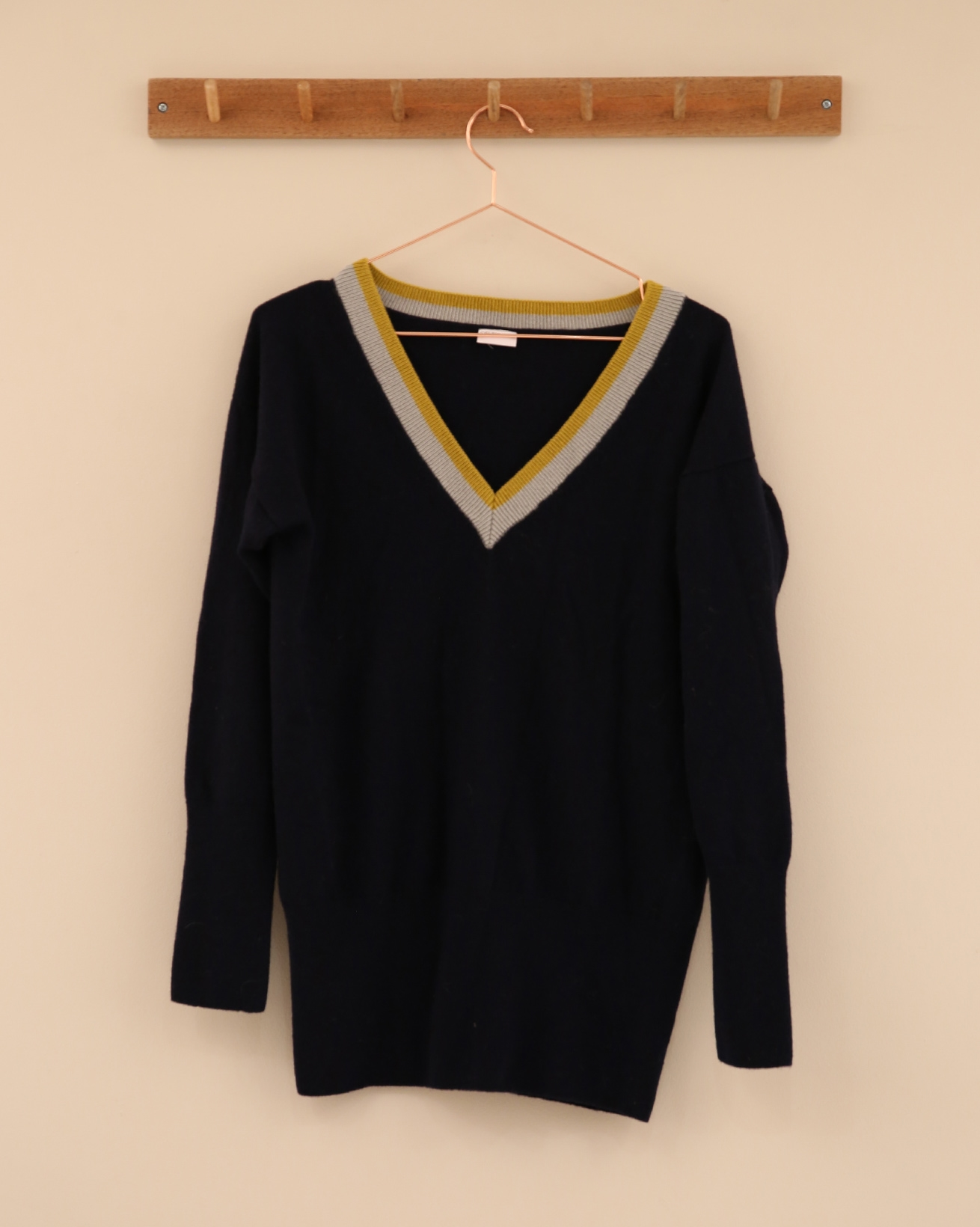 Supersoft V Jumper - Size Small - Navy / Gorse / Grey - 2314