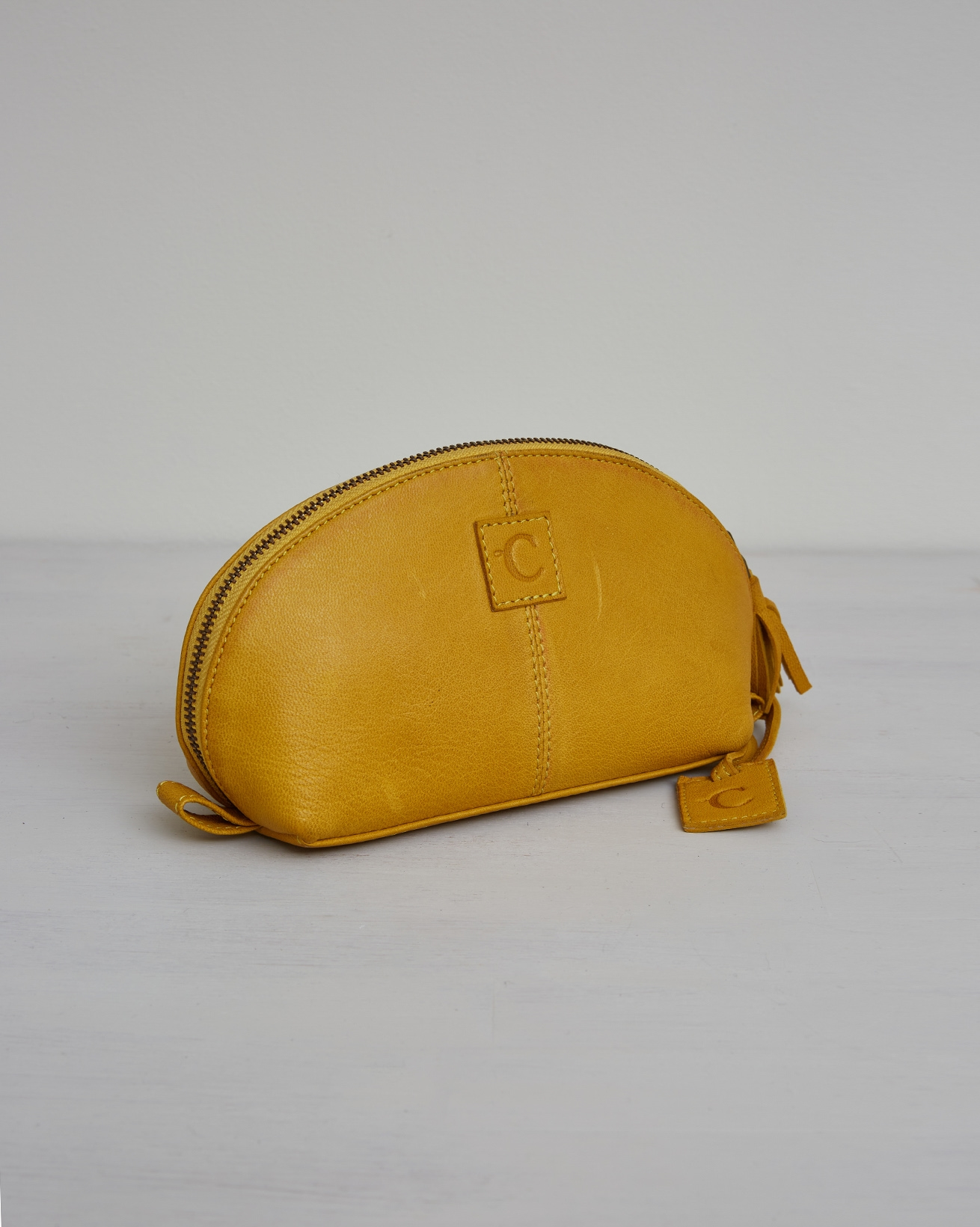 Veg Tan Leather Curved Zip Pouch - One/Size - Gorse - 2423