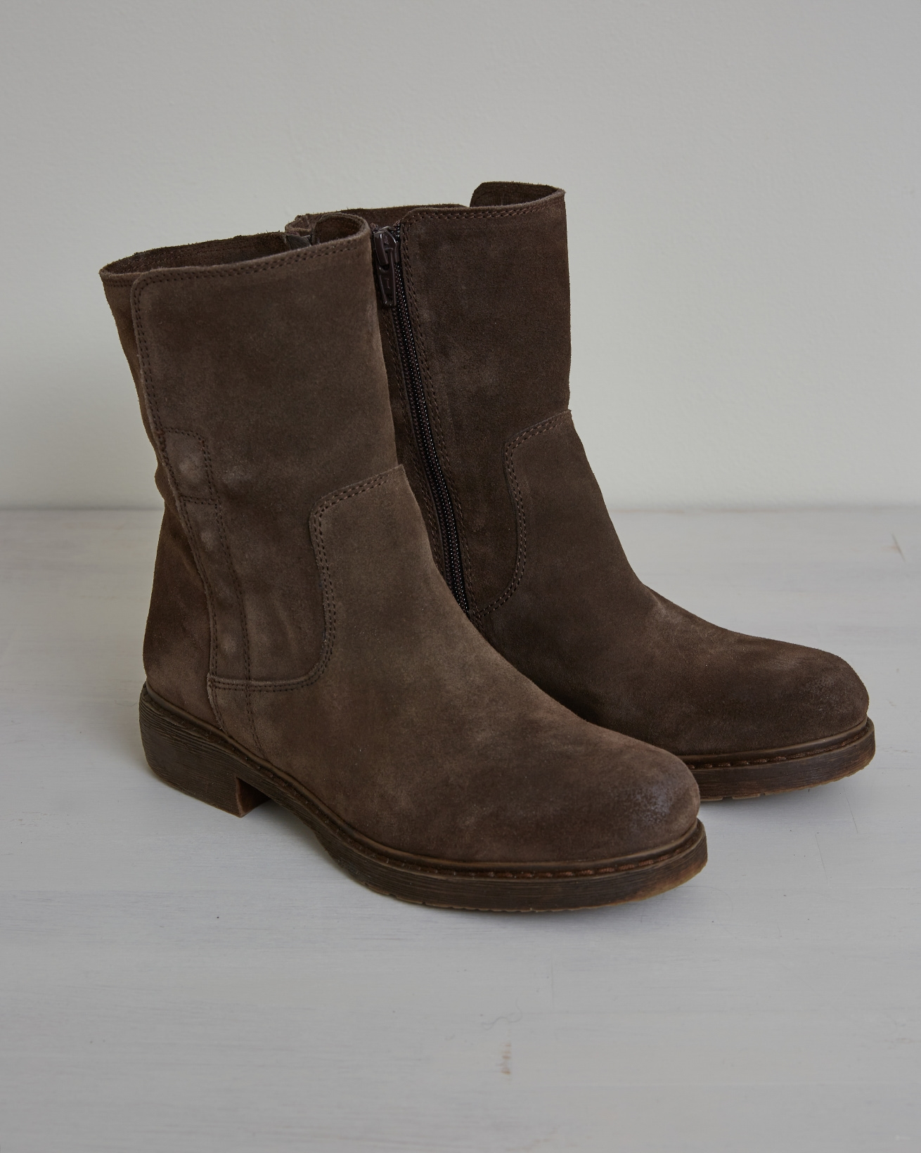 Essential Leather Ankle Boot - Size 38 - Chocolate - 2638