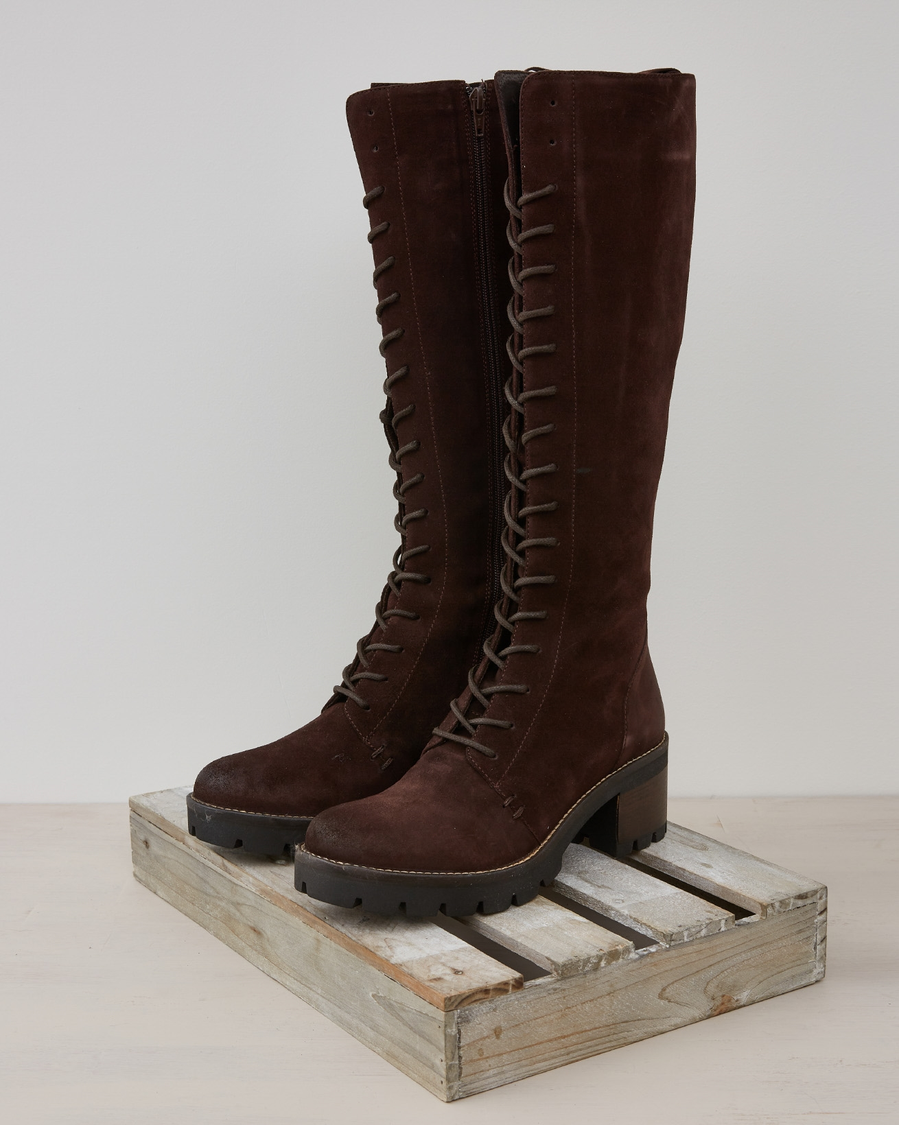 WILDERNESS KNEE HIGH BOOT - Tanners Brown - Size 39 - 2550