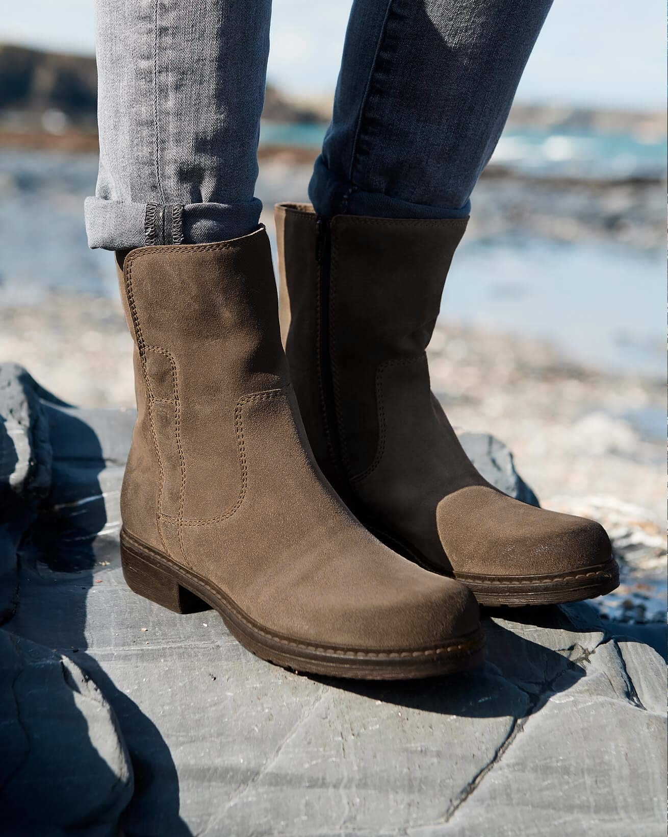 7281_essential-leather-ankle-boots_taupe_lfs-2_web.jpg