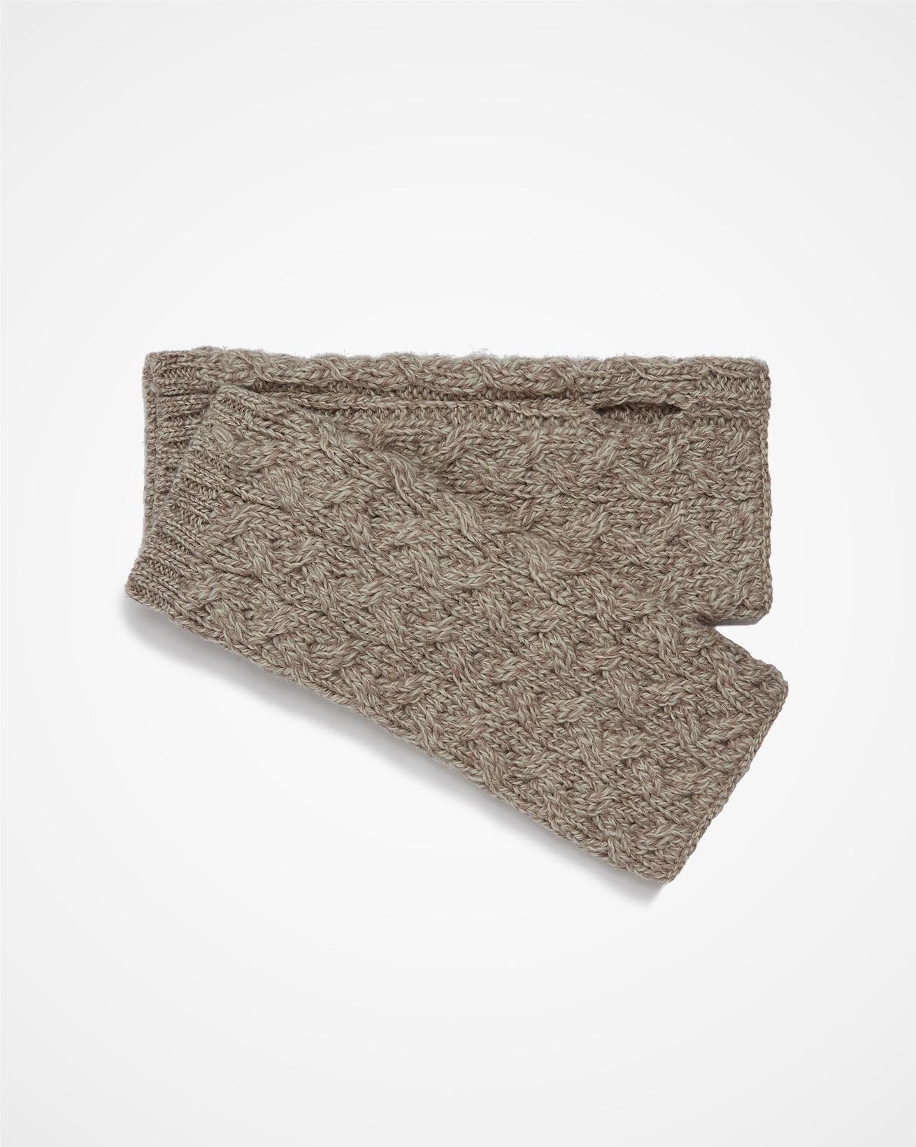 7660_aran-cable-fingerless-mitts_oatmeal-fleck_1_cutout_web.jpg