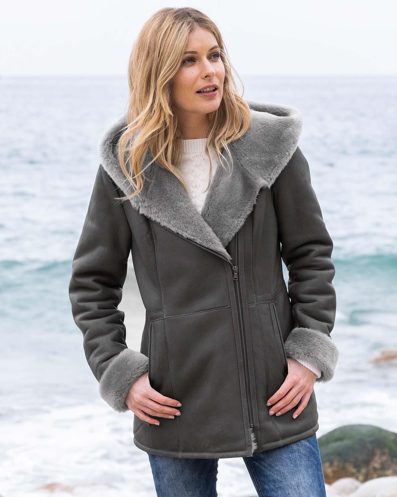 7830-7591-7621_hooded-zip-jacket_derby-grey-179_web_crop.jpg