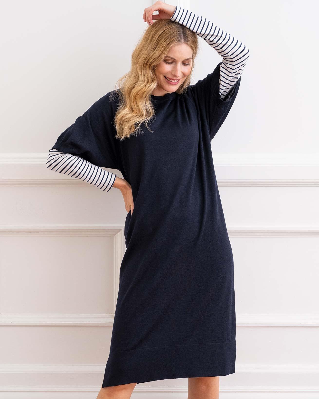 7812_merino_short_sleeve_midi_dress_dark_navy-32_web_crop.jpg