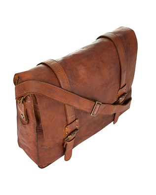 7126_messenger_bag_brown_top_aw15.jpg