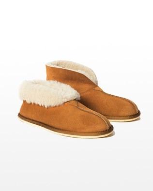 6618 men's sheepskin bootee slipper_burnt honey_pair1_mid_aw15.jpg