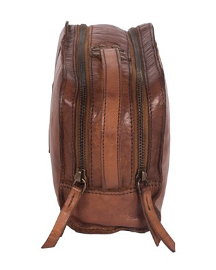 7077_hanging_wash_bag_brown_side_aw15.jpg
