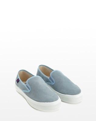 7198_slipon_suede_pumps_blue_pair_low_ss16.jpg