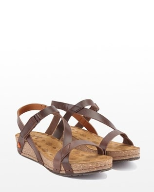 7190_strap_wedge_sandal_brown_pair_low_ss16.jpg