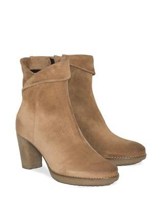 7210_crepe_sole_heel_boots_pair.jpg
