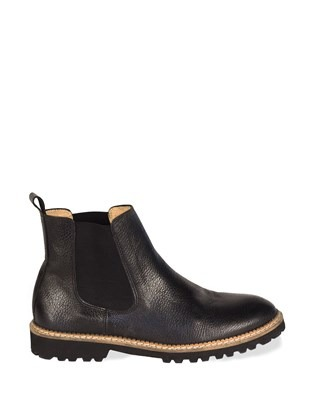 7283 leather chelsea boots_outside.jpg