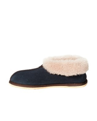 2100 sheepskin bootee slipper_blue iris_side1.jpg