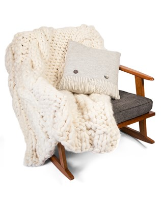 7424_chunky cable throw_aw17.jpg