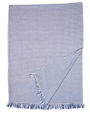 7435_extra fine merino wool throw_blue houndstooth_large_aw17.jpg