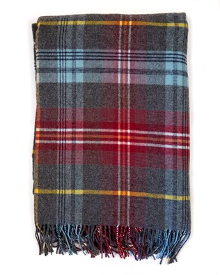 7436_lambswool tartan throw_insch_flat_aw17.jpg