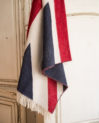 7138-lfs-union-jack-throw.jpg